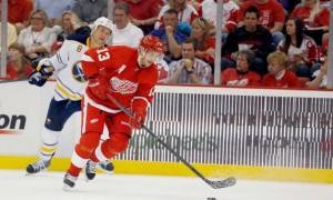 Детройт одержал победу в своем стартовом матче в НХЛ