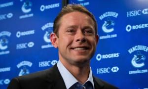 Видео церемонии поднятия свитера легенды «Ванкувера» Павла Буре