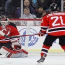 Гол и передача Локтионова не помогли «Дьяволам» обыграть «Канадиенс».Обзор матчей НХЛ за 5 декабря (видео)