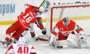 Хоккеисты сборной России пытаются спасти «Спартак»