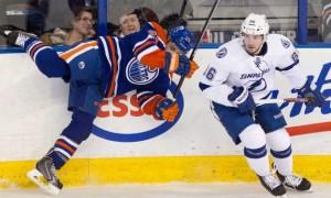 Никита Кучеров  в третьем матче подряд не уходит со льда без заброшенной шайбы