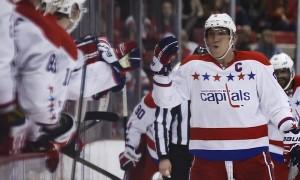 Александр Овечкин дважды забрасывает в ворота «Бостона» (видео)