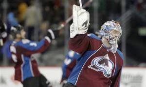 Семен Варламов не смог прервать десятиматчевую победную серию «Бостона»