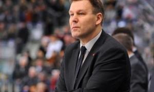 Омский «Авангард» на ближайшие матчи остался без тренера
